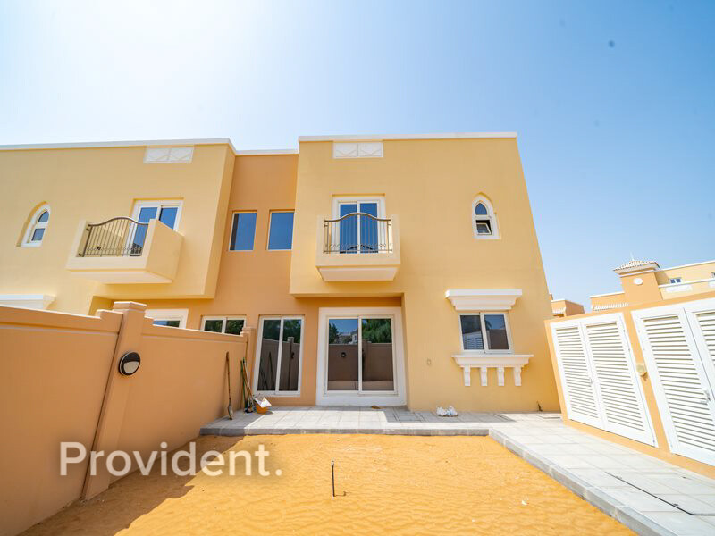 Townhouse for Rent in  Dubai Sports City