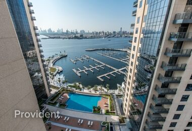Large 2 Bedrooms with an Amazing Sea View