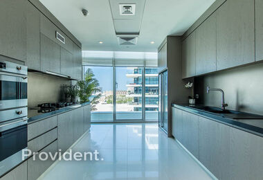 Upgraded Penthouse | Gorgeous Sea View