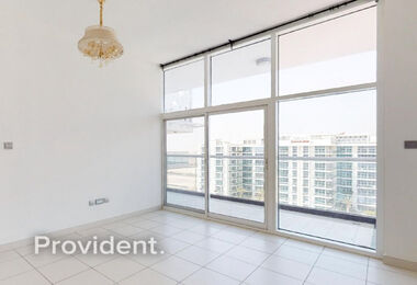 Beautifully Presented One Bed | Studio City
