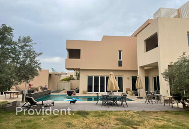 Large Plot | Private Pool | 5 BR Villa for Sell