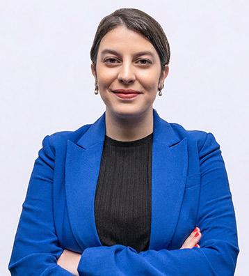لينا شيتاتشني