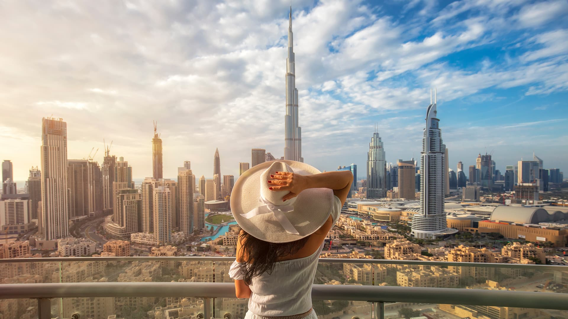 Live in Dubai & Make the World Your Workplace!